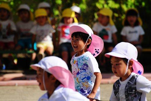 幼稚園 水筒 サイズ