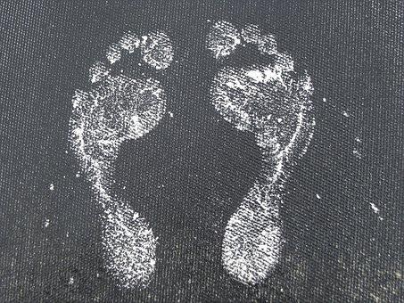 足が臭い女性の特徴