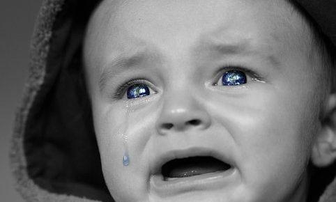 赤ちゃん 泣き止む おもちゃ